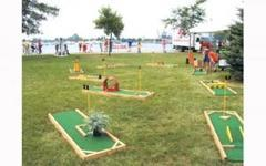 1 Hole Miniature Golf Course