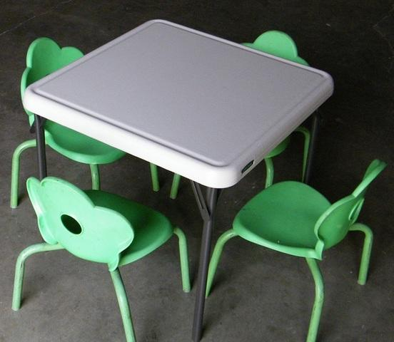 Kids Table w/ 4 Green Chairs