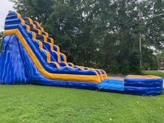 19 FT MELTING ARCTIC SLIDE (302)Best for ages 6+Size 36L X 15W X 19H  ***NEW MAY 2020***