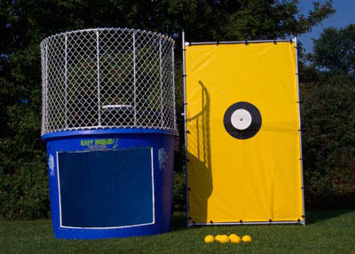 Maine-&-New-Hampshire-Dunk-Tank-Rentals