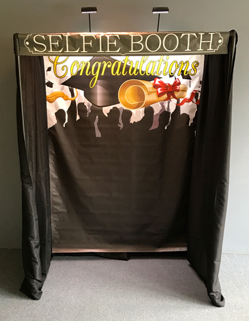 selfie booth graduation