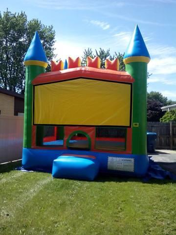 Spring Bounce House (13'x13')