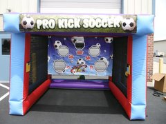 INFLATABLE PRO KICK SOCCER