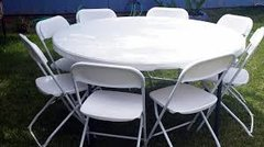 5 Round Tables & Chairs