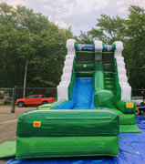 BRAND NEW! Green Splash Water Slide
