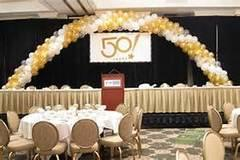 2 6ft table balloon arch