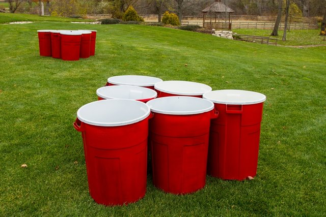 Trash Can Pong