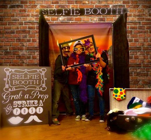 Selfie Booth Photo Party