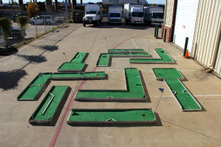 9 Hole Mini Golf