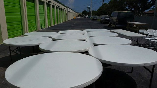 60 Inch Round Tables