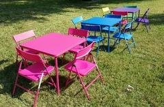 kids square table with four chairs