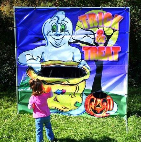 Trick or Treat Toss Carnival Game