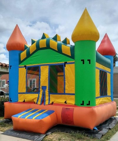 Multicolor Castle Jumper (13'x13')