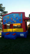 Deluxe Bounce House Bubble Guppies