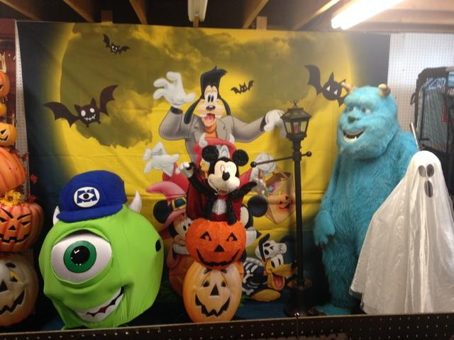 MICKEY'S HALLOWEEN PHOTO BACKDROP