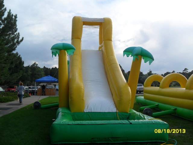 19' Tropical Wet Slide