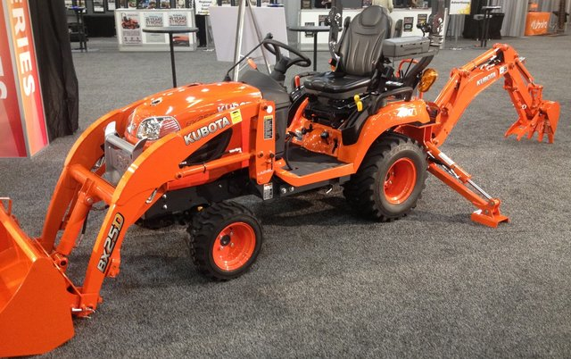 Kubota loader / backhoe