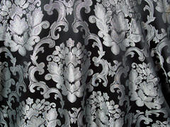 BEETHOVEN DAMASK 132in ROUND (BLACK/SILVER