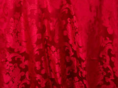 BEETHOVEN DAMASK 108in ROUND (RED)