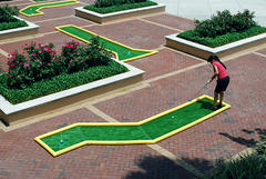 Mini Putt Putt Game - Dogleg Right