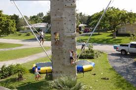 Rock wall with Euro Bungy in back view