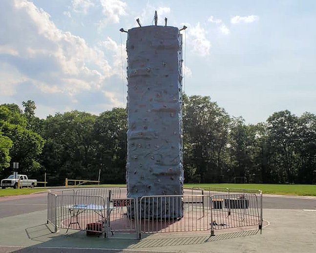 East Petersburg Rock Wall Rentals near me