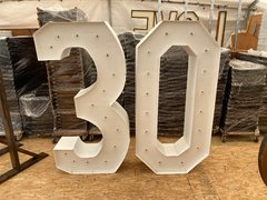 5' marquee letter