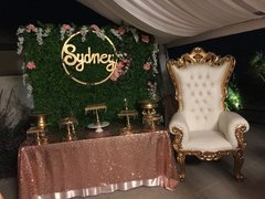 king throne chairs backdrop