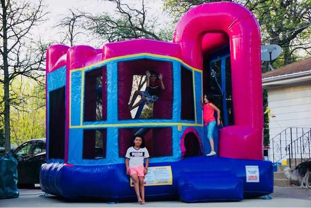 32-Bounce-House-Backyard-Dream