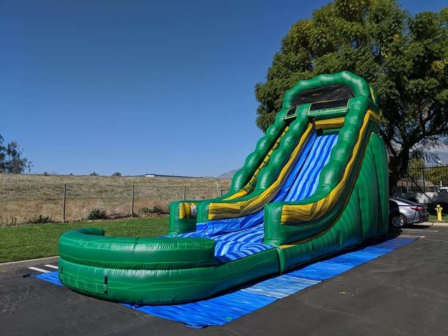 18 ft. Jungle Green water slide