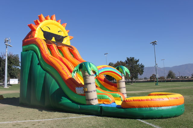 22 ft. paradise sunshine double lane water slide