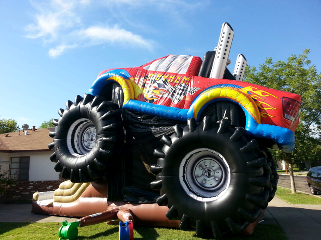 Giant Monster Truck