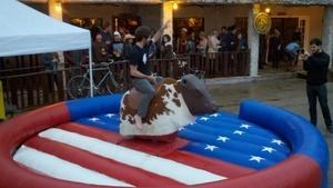 Mechanical bull - American flag (includes 1 operator)