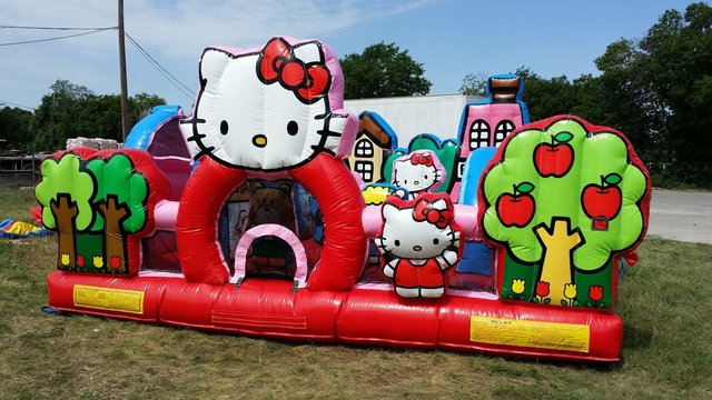 Hello Kitty toddler playhouse obstacle