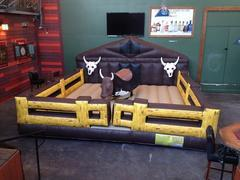 Mechanical bull - Premium Corral (includes 1 operator)