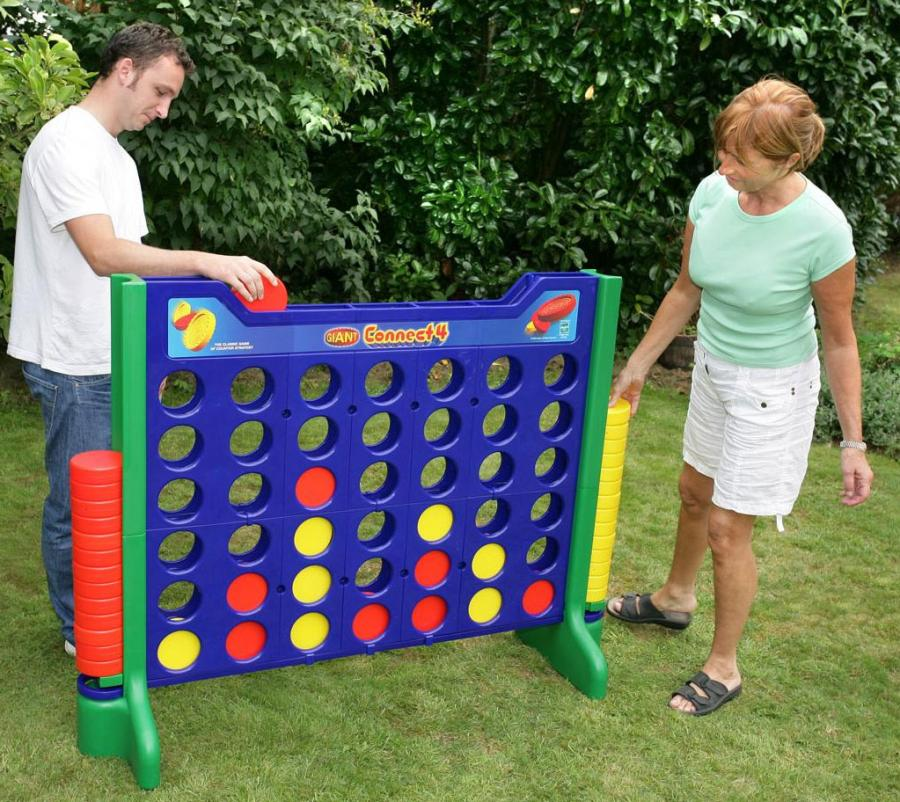 Giant Connect 4 rental for parties in Austin Texas from Austin Bounce House Rentals