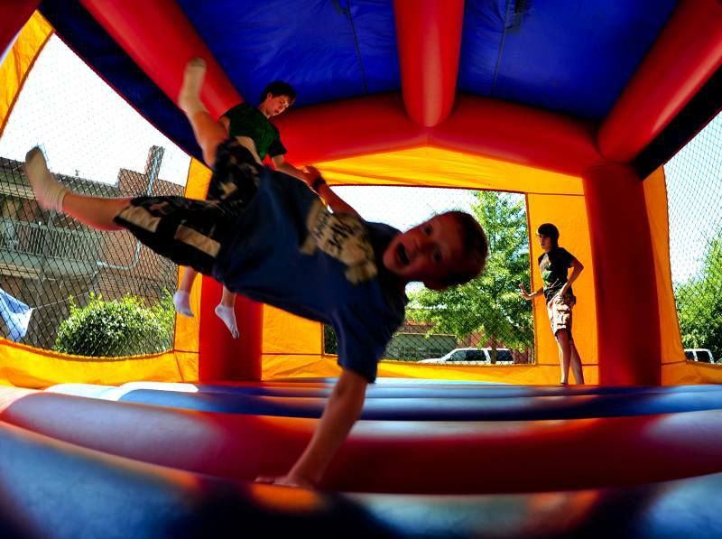 bounce house rentals hutto tx