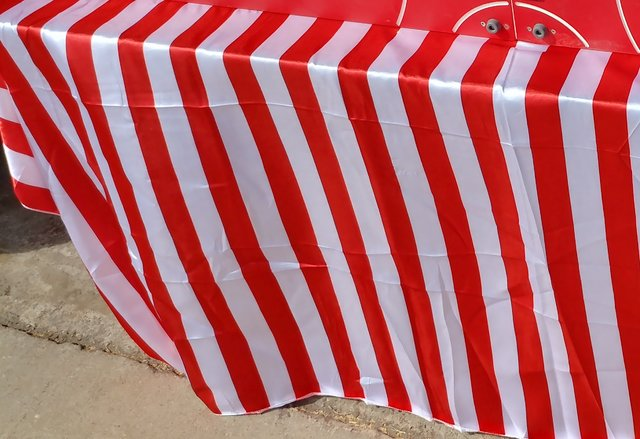 Poly. Tablecloths - red and white stripe