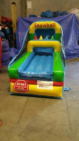 Inflatable Carnival Snowball Game