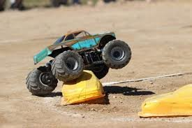 RC MONSTER TRUCKS