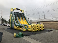 27' Toxic Drop 3 Lane Dry Slide