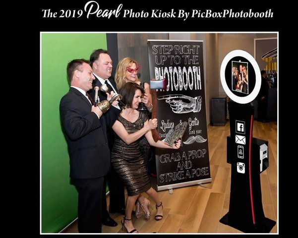 Pearl Social Station Digital Photo Booth Rental - 4 hour