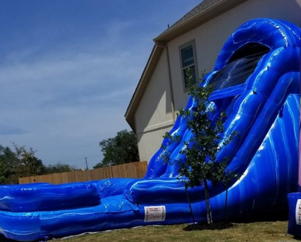 #313 Blue Lagoon  Wet  25'L x 16'W x 18'H @