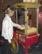 "<b><font color=""red"">Popcorn Service</font><br><small>Let us make the popcorn for you</font><br>Unlimited popcorn servings</small></b>"