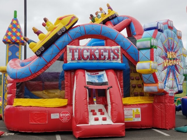 Inflatable bouncer rental Tacoma