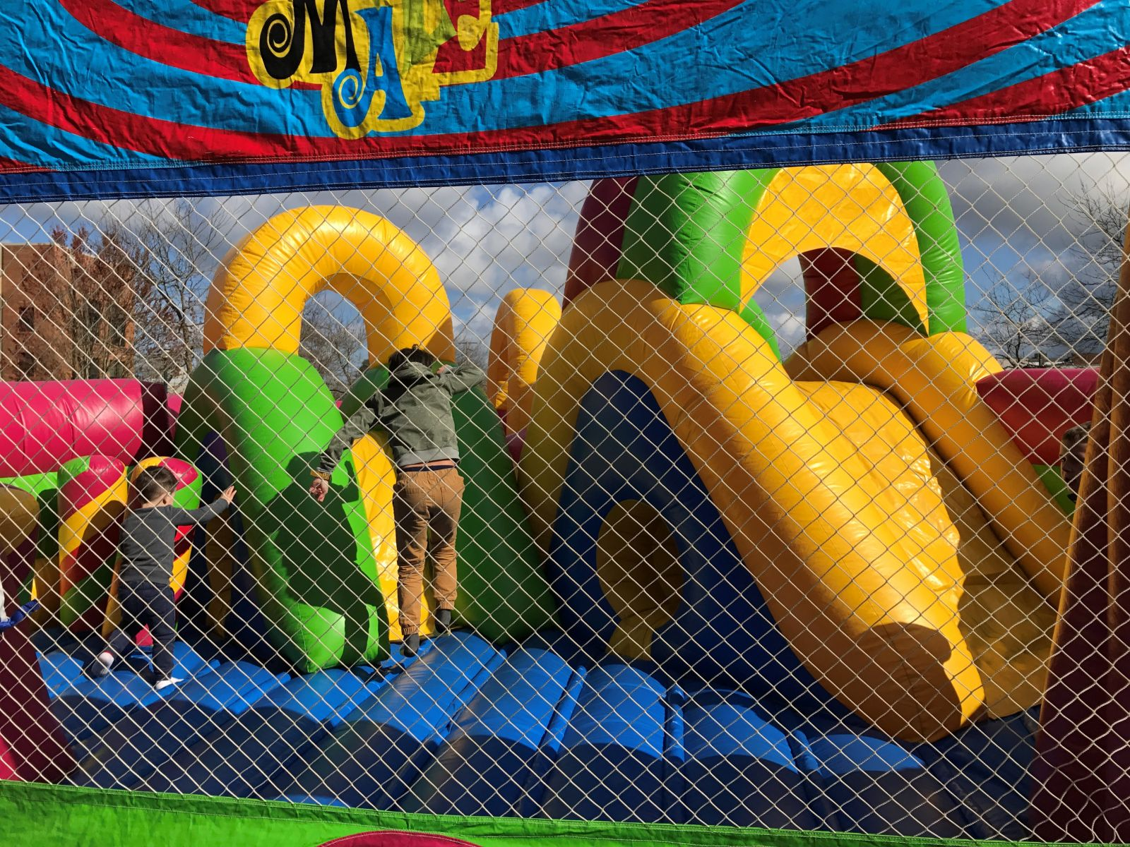 Bouncer Maze 3.0 inflatable bounce house