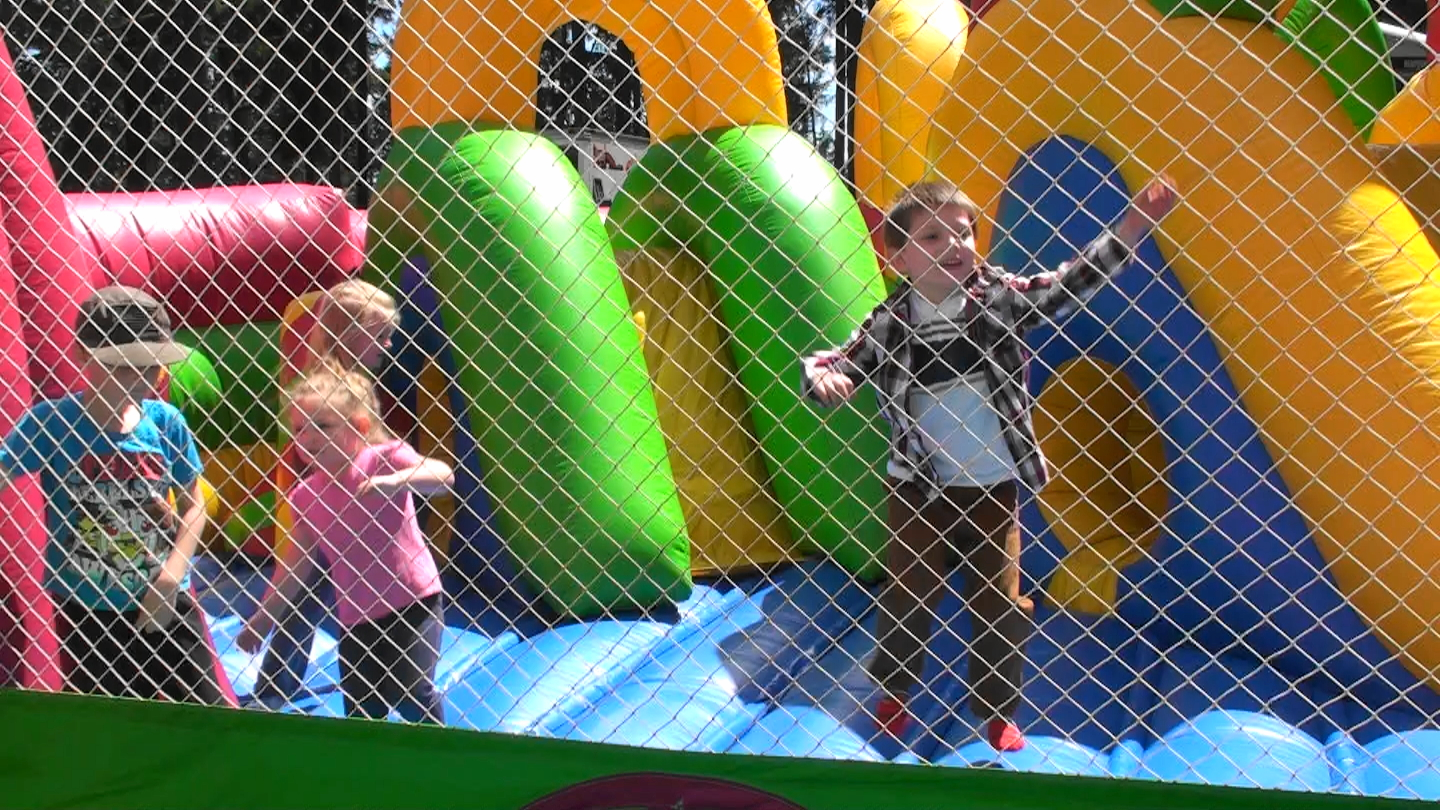 Bouncer Maze and kids