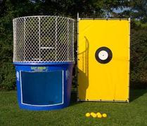 "<font color=red><b>Dunk Tank <br></font></b><small> 16+ TO BE DUNKED <font color=red> |</font><font color=""orange""><b>WATER ACCESS NEEDED</font><br><font color=blue> Size 12 x 5 x 10</font>"