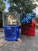 "<font color=red><b>USA Dunk Tank <br></font></b><small> 16+ TO BE DUNKED <font color=red> |</font><font color=""orange""><b>WATER ACCESS NEEDED</font><br><font color=blue> Size 12 x 5 x 10</font>"
