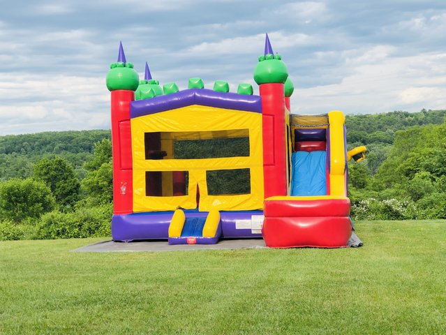 King Castlel 5 in 1 Bounce House Combo (WET)
